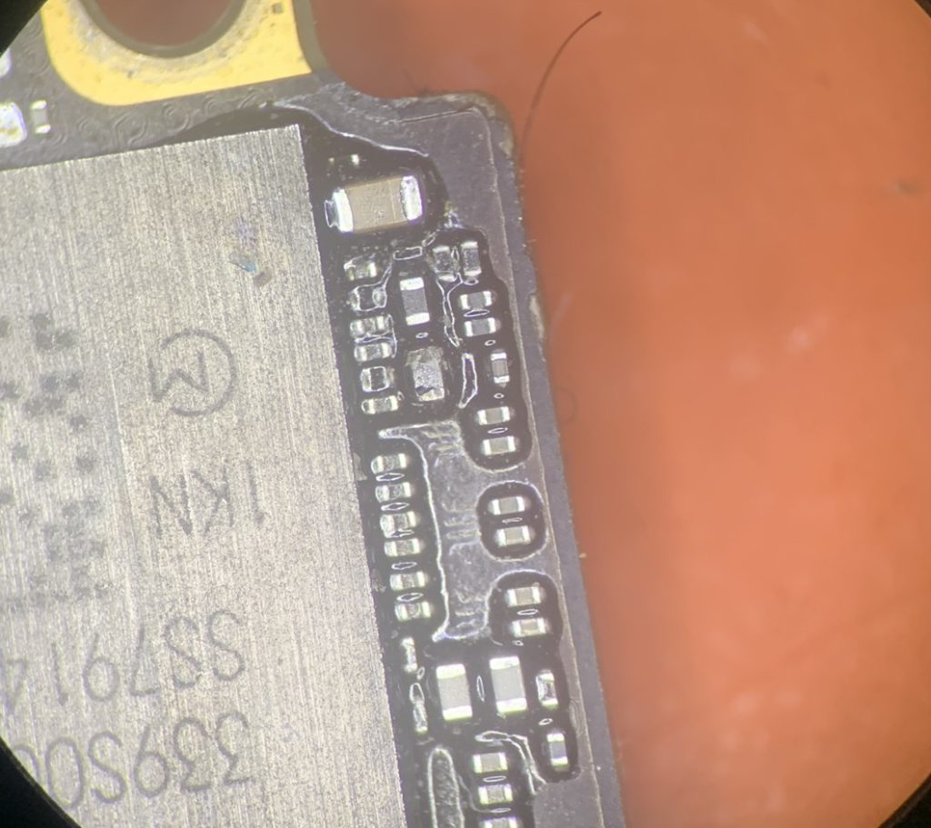 Short capacitor on camera power